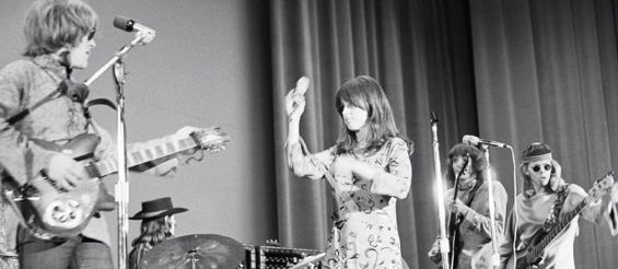 jefferson airplane performs