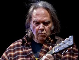 Neil Young in concert by Per Ole Hagen