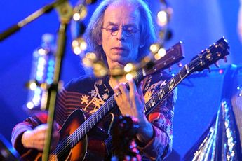 Guitarist Steve Howe will lead Yes at U.S. rock festival